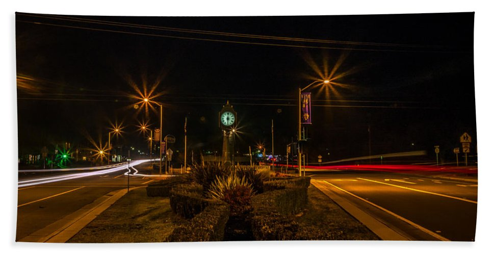 Aglow Hand Towel featuring the photograph 6 O'clock Traffic by Michele James