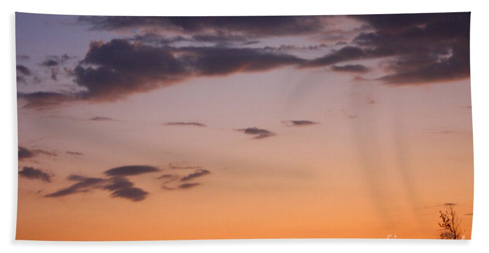 Sunset Bath Sheet featuring the photograph Sunset Moreno Valley Ca by Tommy Anderson