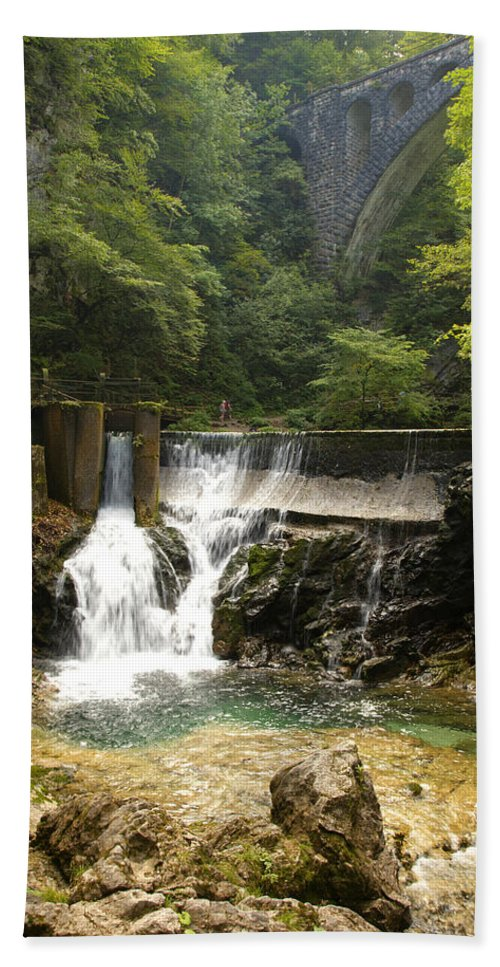 Vintgar Hand Towel featuring the photograph The Vintgar Gorge by Ian Middleton