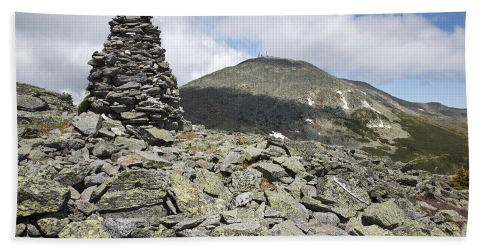Hike Bath Sheet featuring the photograph Mount Washington - White Mountains New Hampshire Usa by Erin Paul Donovan