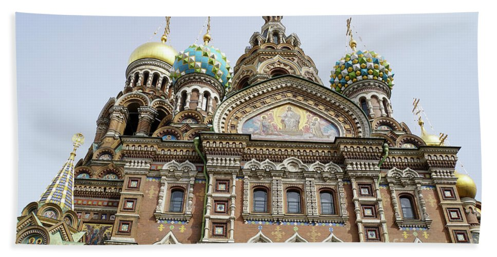 Church Hand Towel featuring the photograph Church Of The Savior On Spilled Blood by Vladi Alon