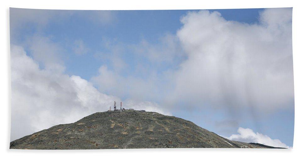 Mount Washington Bath Towel featuring the photograph Mount Washington - White Mountains New Hampshire Usa by Erin Paul Donovan