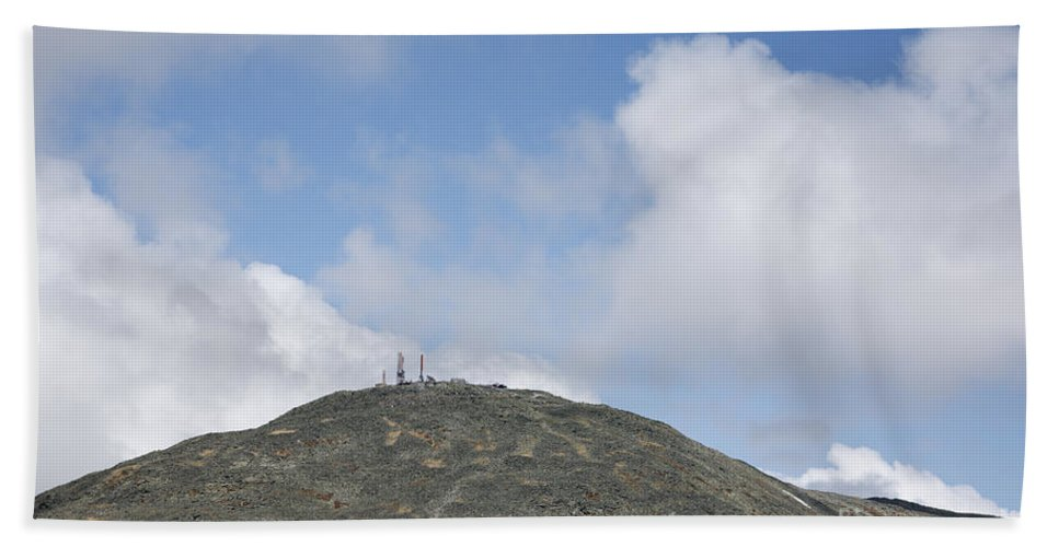 Mount Washington Bath Sheet featuring the photograph Mount Washington - White Mountains New Hampshire Usa by Erin Paul Donovan