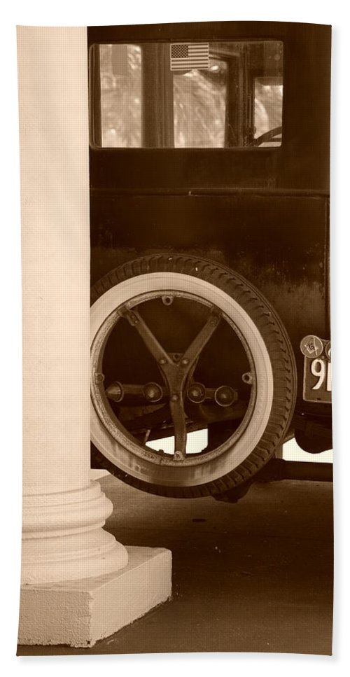 Sepia Hand Towel featuring the photograph 1926 Model T Ford by Rob Hans