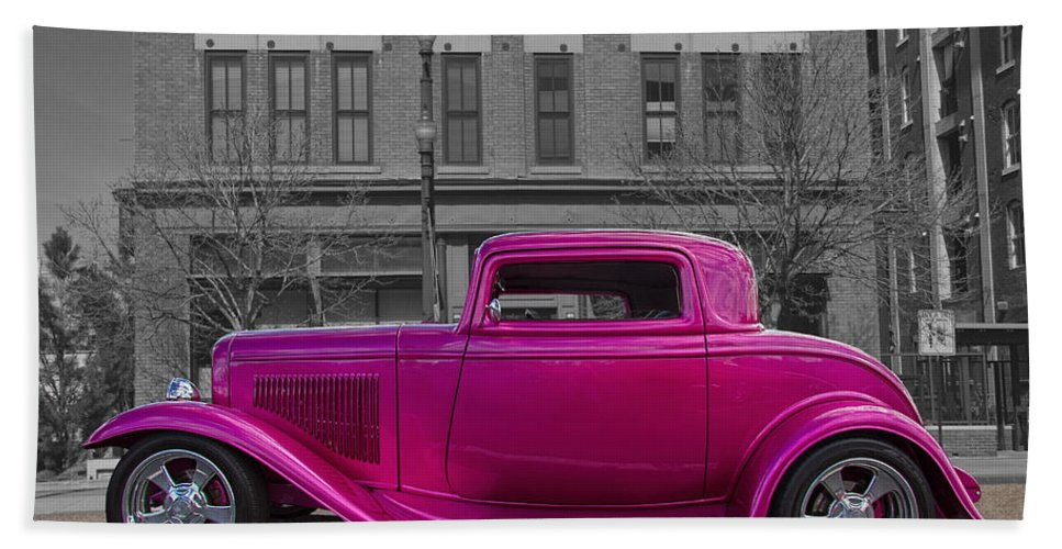 1932 Hand Towel featuring the digital art Ford Hot Rod by Nick Gray