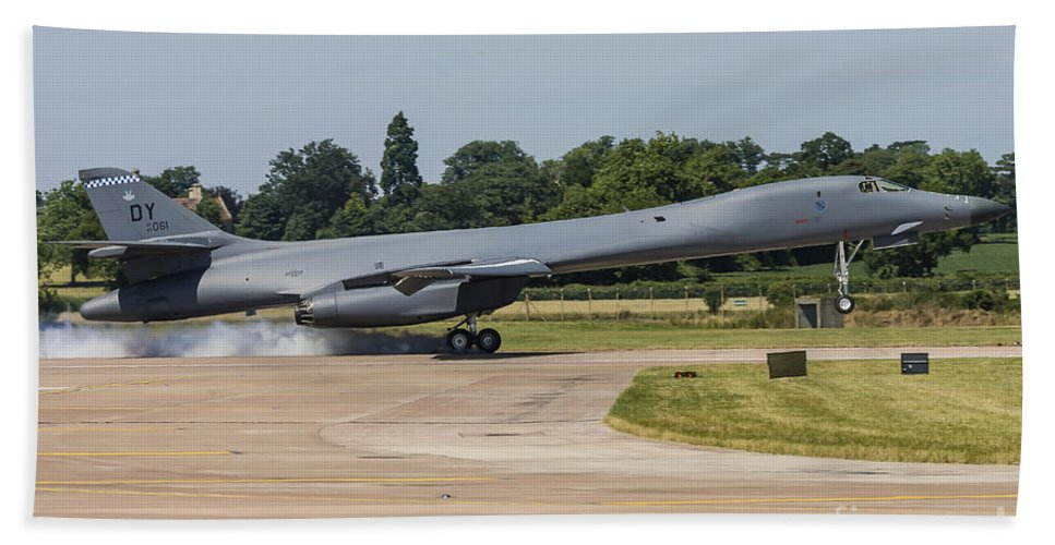 Boeing Bath Sheet featuring the photograph A B-1b Lancer Of The U.s. Air Force by Rob Edgcumbe