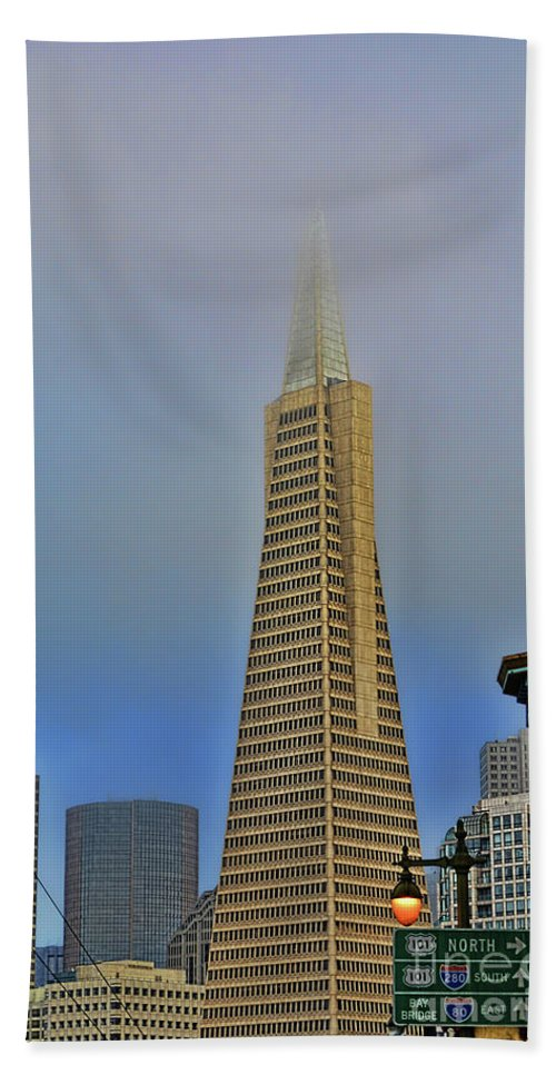 Trans American Building Hand Towel featuring the photograph A Foggytrans American Building by Tommy Anderson