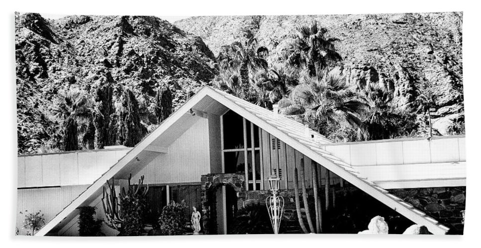 Movie Colony Homes Hand Towel featuring the photograph A Frame Bw Palm Springs by William Dey