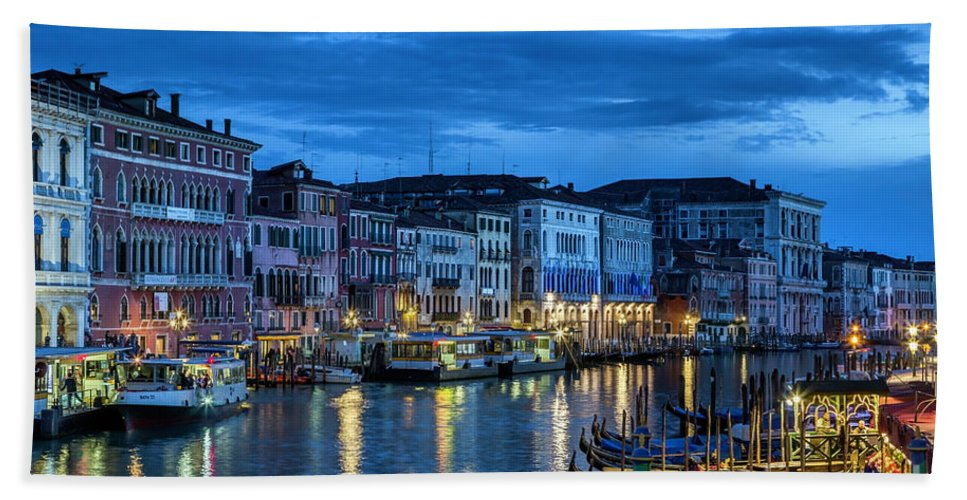 Italy Bath Sheet featuring the photograph A Glowing Venice Evening by Daryl L Hunter