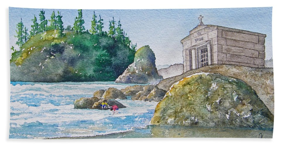 Ocean Hand Towel featuring the painting A Kingdom By The Sea by Gale Cochran-Smith