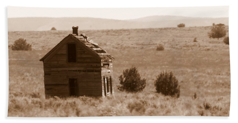 Old Shack Hand Towel featuring the photograph A Little Isolated by Carol Groenen