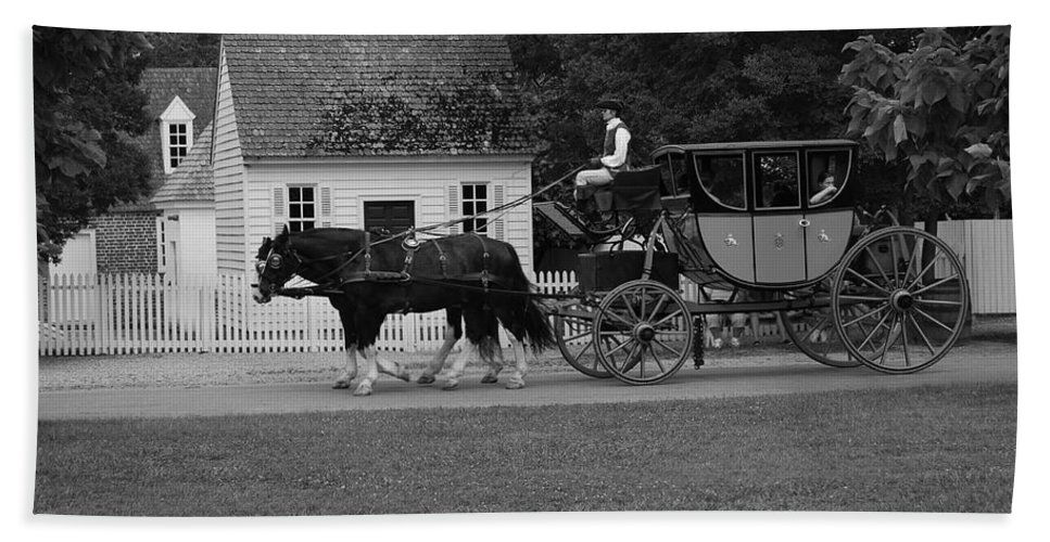 Horses Hand Towel featuring the photograph A Look Back by Eric Liller