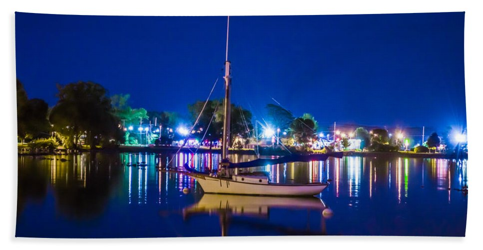 Shoreline Hand Towel featuring the photograph A Night At The Lake by Ray Sheley