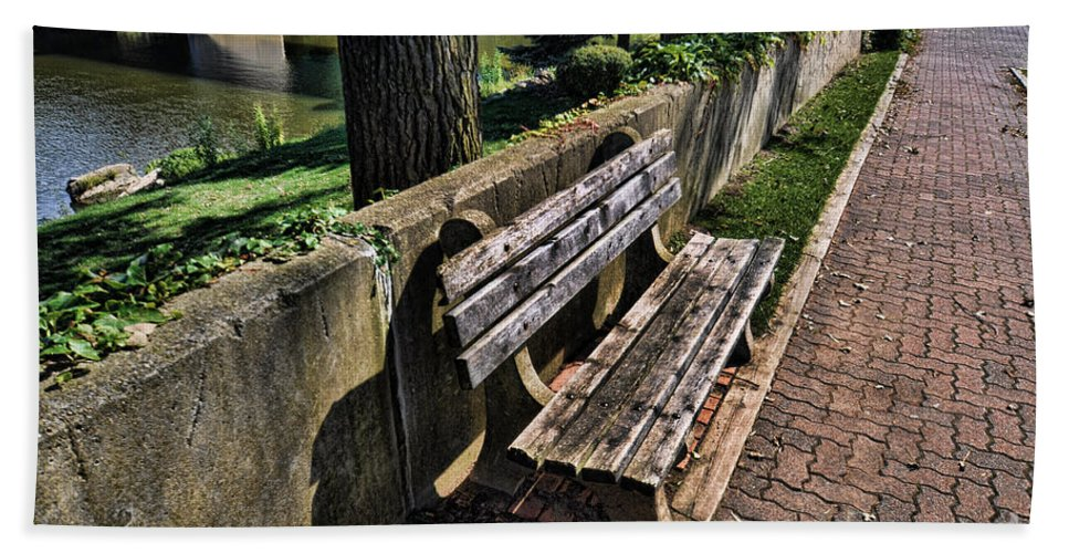 Bench Hand Towel featuring the photograph A Place To Rest by Chris Fleming