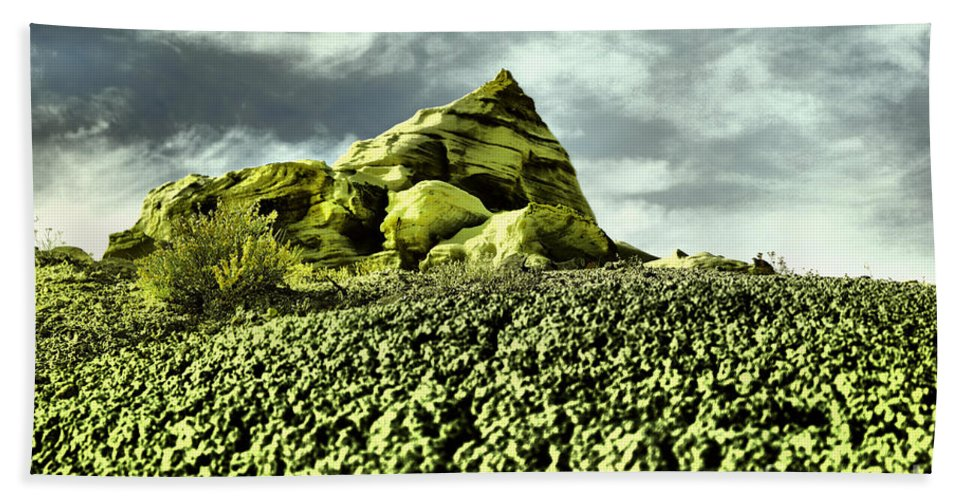 Hill Bath Sheet featuring the photograph A Pointed Hilltop by Jeff Swan