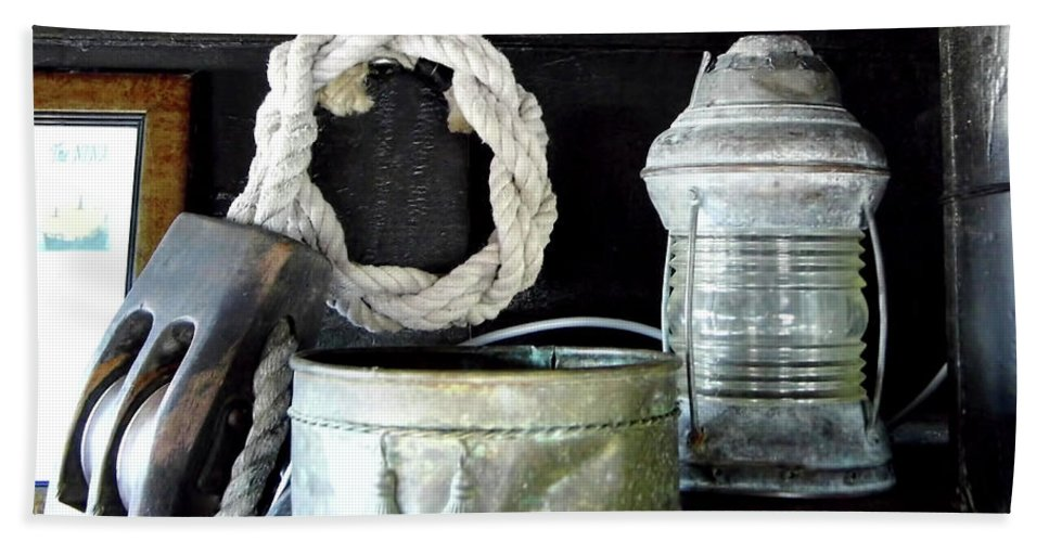 Lamp Bath Sheet featuring the photograph A Pulley And A Lamp by D Hackett