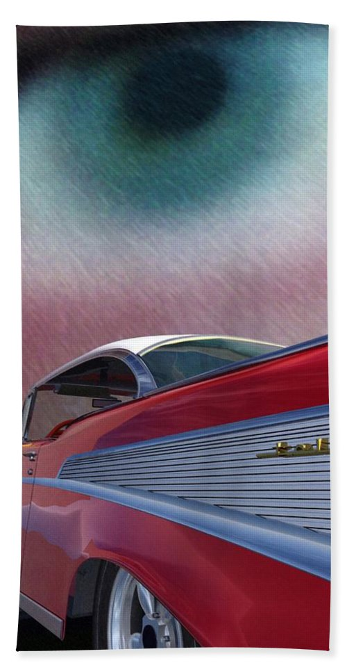 Classic Cars Bath Towel featuring the digital art A Second Look by Richard Rizzo