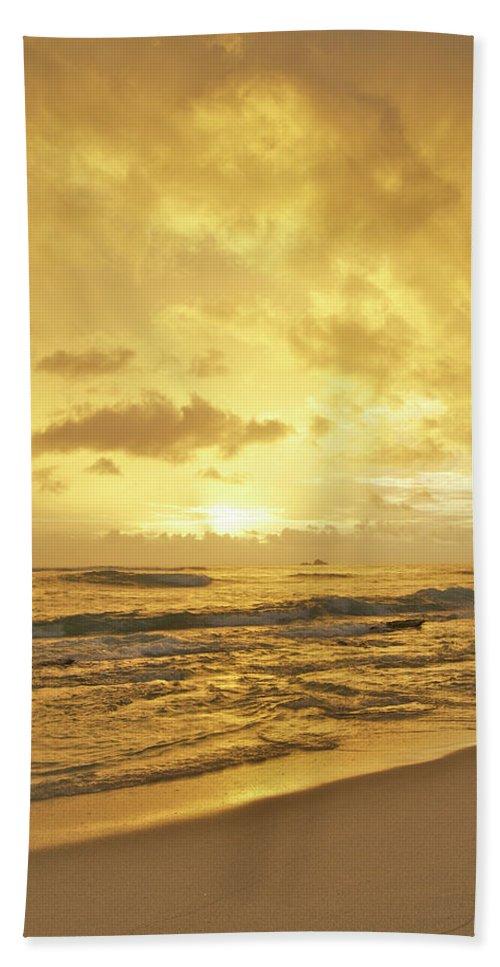 Hawaiian Hand Towel featuring the photograph A Sunrise Over Oahu Hawaii by Michael Peychich