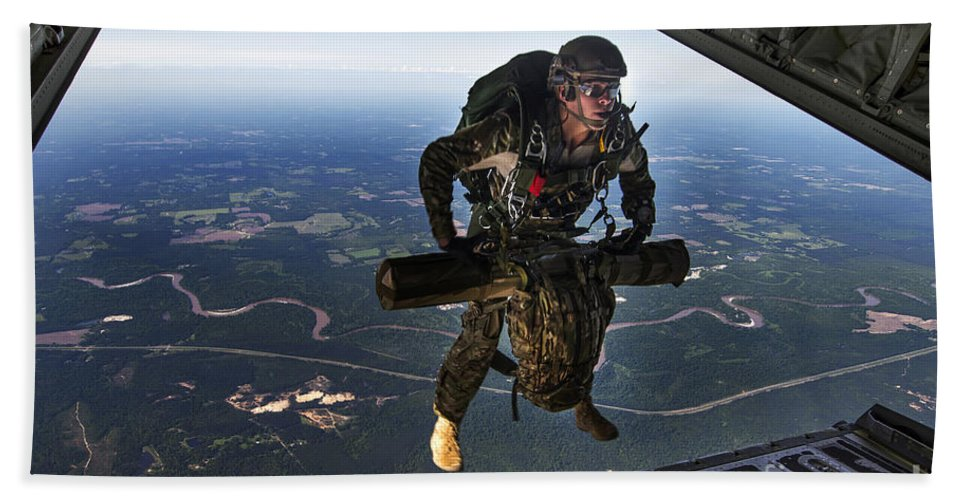 Exercise Emerald Warrior Bath Sheet featuring the photograph A U.s. Air Force Combat Controller by Stocktrek Images