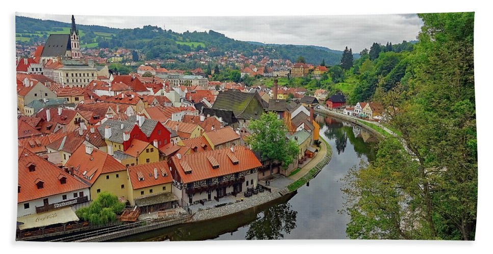 Cesky Krumlov Hand Towel featuring the photograph A View Of Cesky Krumlov And The Vltava River In The Czech Republic by Richard Rosenshein
