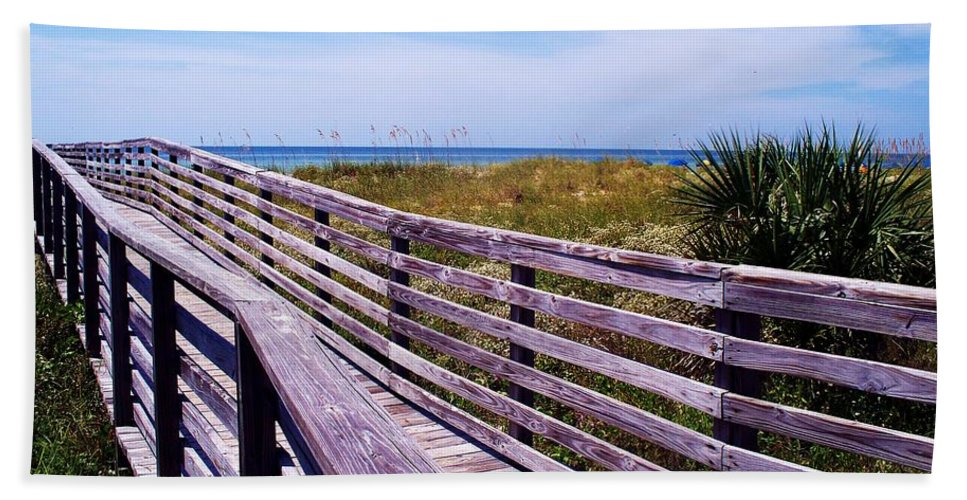 Beach Bath Towel featuring the photograph A Walk To The Beach by Robin Monroe