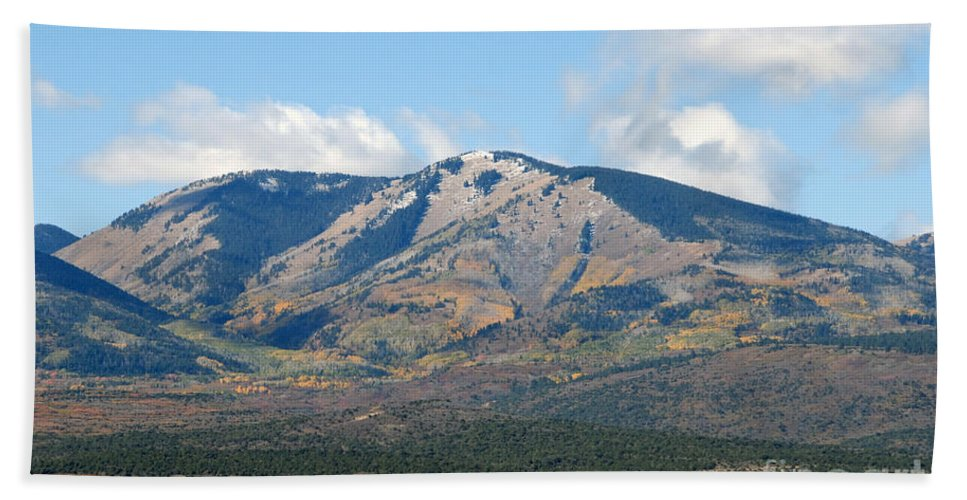 Abajo Mountains Utah Bath Towel featuring the photograph Abajo Mountains Utah by David Lee Thompson
