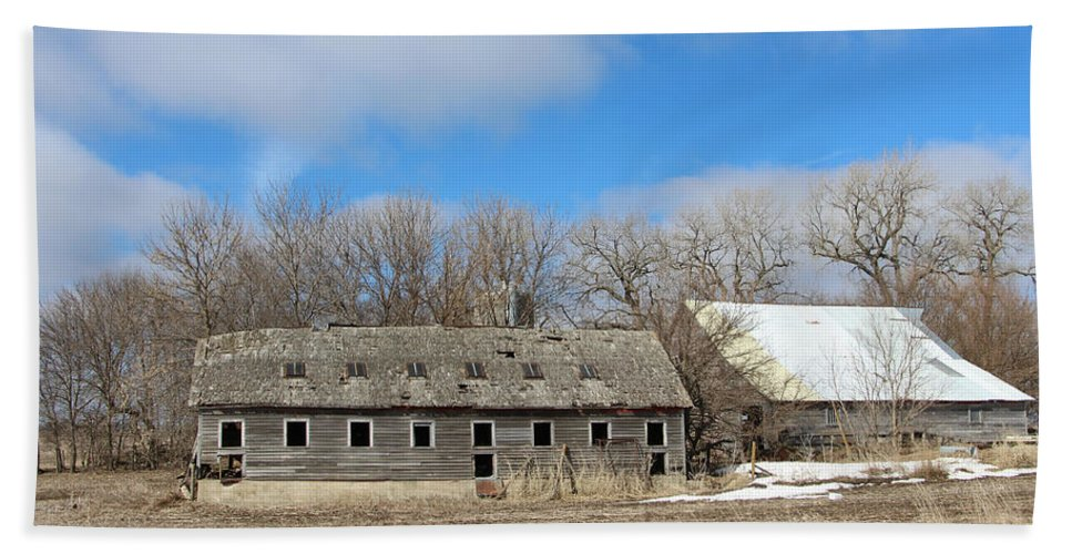 Abandoned Barn And Shed Hand Towel featuring the photograph Abandoned Barn And Shed by Kathy M Krause