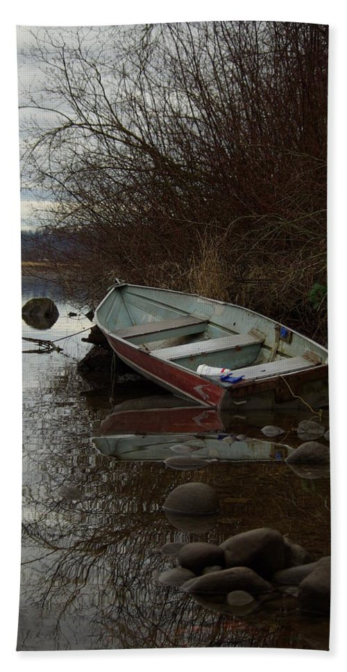 Abandoned Bath Sheet featuring the photograph Abandoned Boat by Cindy Johnston