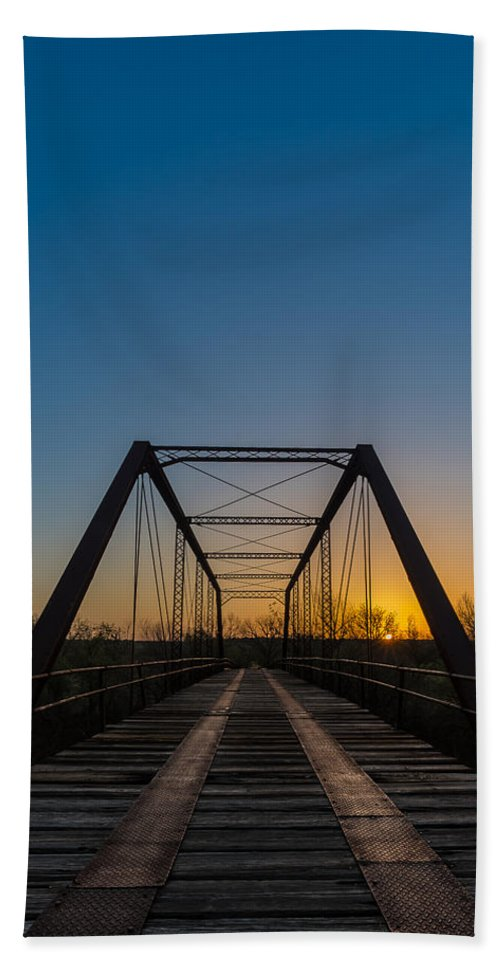Bath Towel featuring the photograph Abandoned Steel Bridge by David Downs