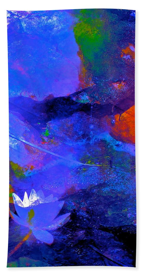 Abstract Bath Sheet featuring the photograph Abstract 112 by Pamela Cooper