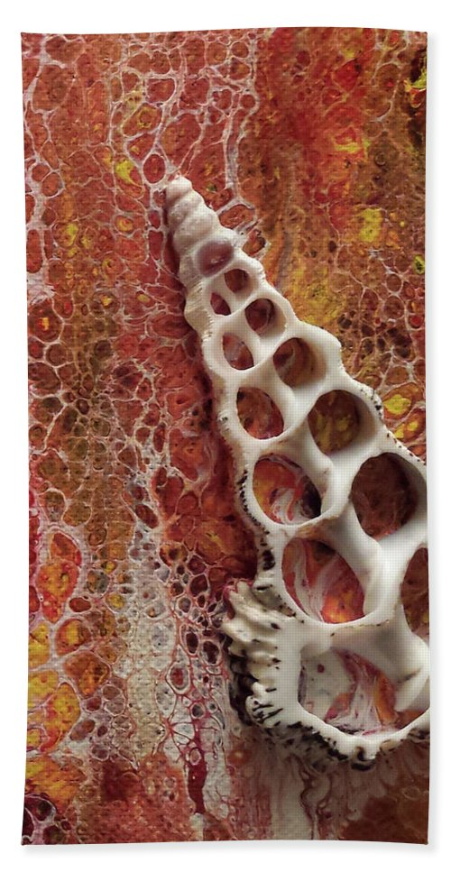 Shell Abstract Earth Tones Bath Towel featuring the painting Abstraque Artique by Beth Waltz