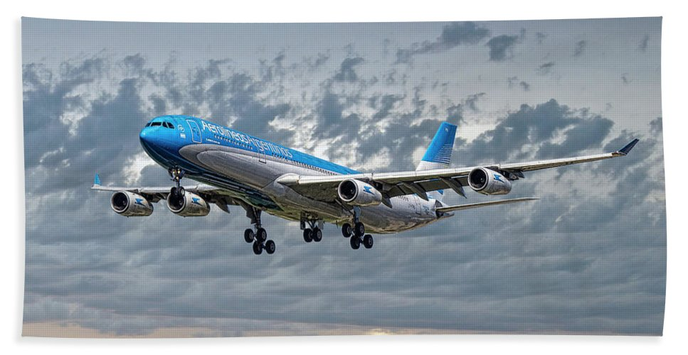 Aerolineas Argentinas Hand Towel featuring the mixed media Aerolineas Argentinas Airbus A340-313 by Smart Aviation