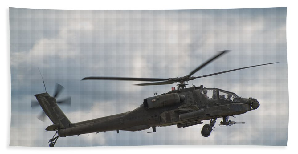 Helicopter Bath Towel featuring the photograph Ah-64 Apache by Sebastian Musial