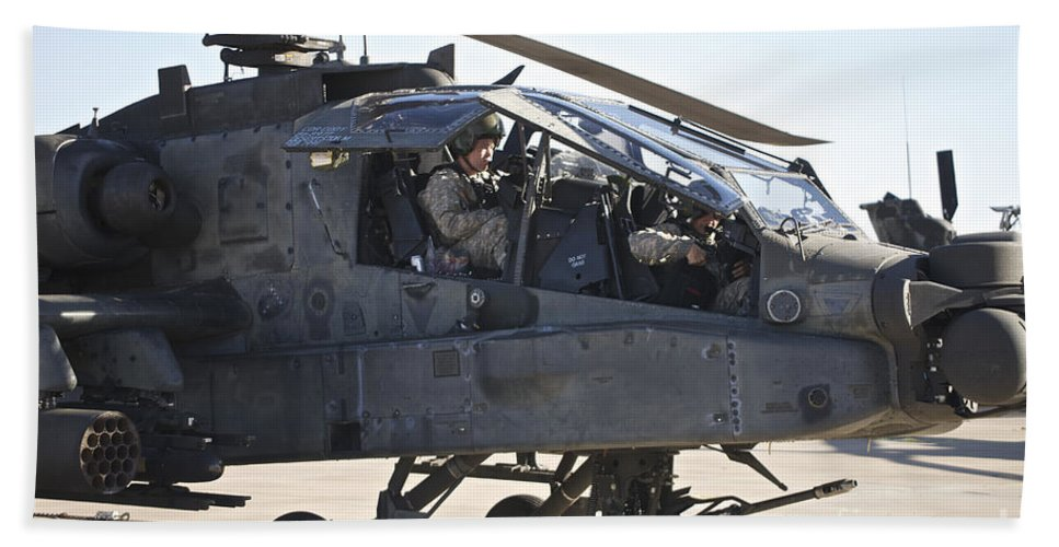 Exercise Angel Thunder Bath Sheet featuring the photograph Ah-64d Apache Longbow Pilot Prepares by Terry Moore