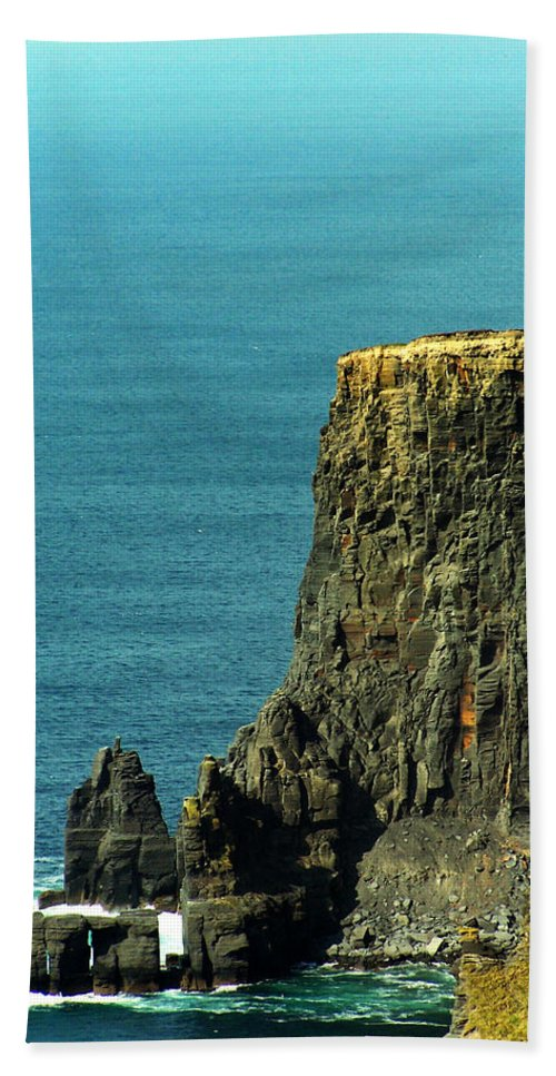 Irish Bath Sheet featuring the photograph Aill Na Searrach Cliffs Of Moher Ireland by Teresa Mucha