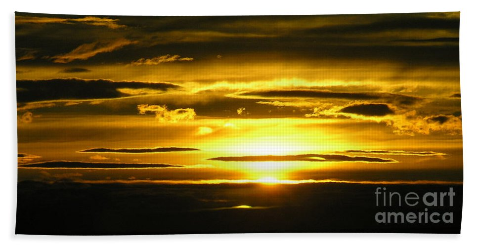 Sunset Bath Sheet featuring the photograph Alaskan Sunset by Louise Magno