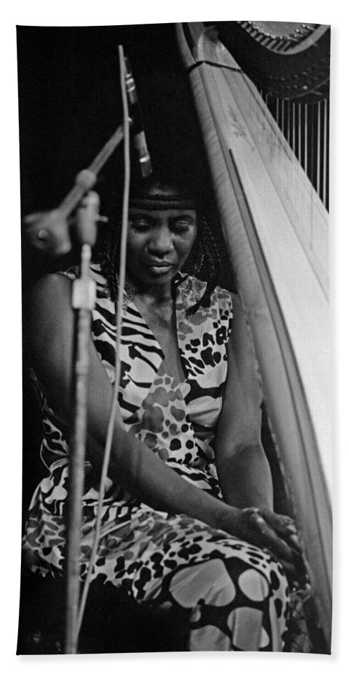 Jazz Bath Sheet featuring the photograph Alice Coltrane by Lee Santa