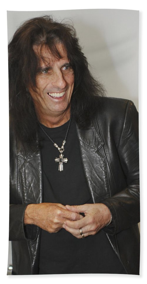 Alice Cooper Bath Towel featuring the photograph Alice Cooper Happy by Jill Reger