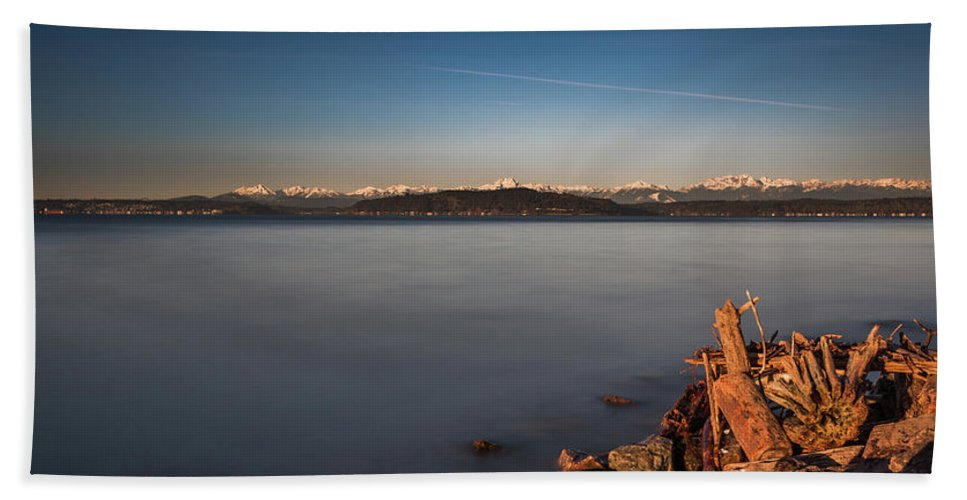 Alki Bath Sheet featuring the photograph Alki Point- 2 by Calazone's Flics