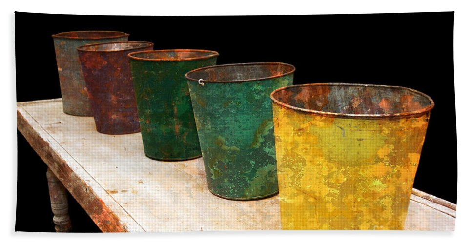 Bucket Hand Towel featuring the photograph All In A Row by Lois Bryan