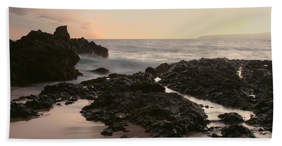 Aloha Hand Towel featuring the photograph Aloha Paako Akahi Sunset Makena Maui Hawaii by Sharon Mau