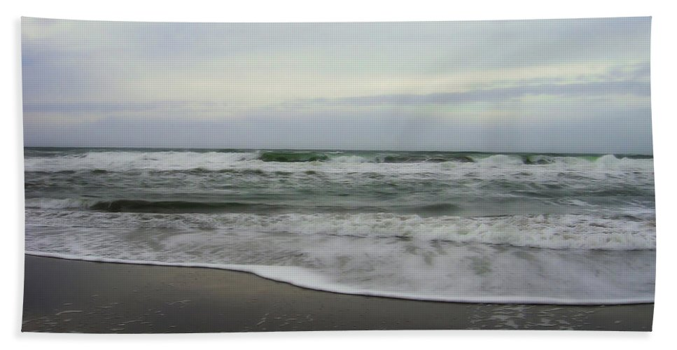 San Francisco Beach Hand Towel featuring the photograph Along The Great Highway by Donna Blackhall