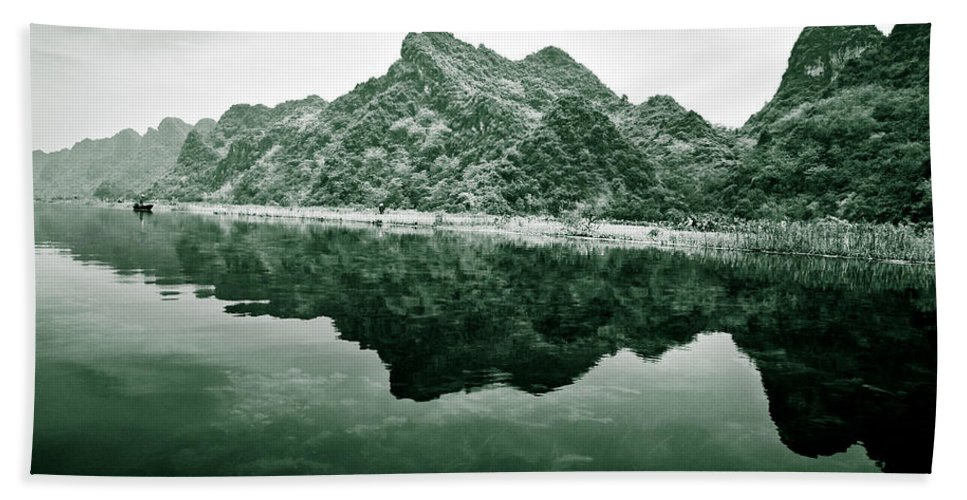 Yen Bath Towel featuring the photograph Along The Yen River by Dave Bowman