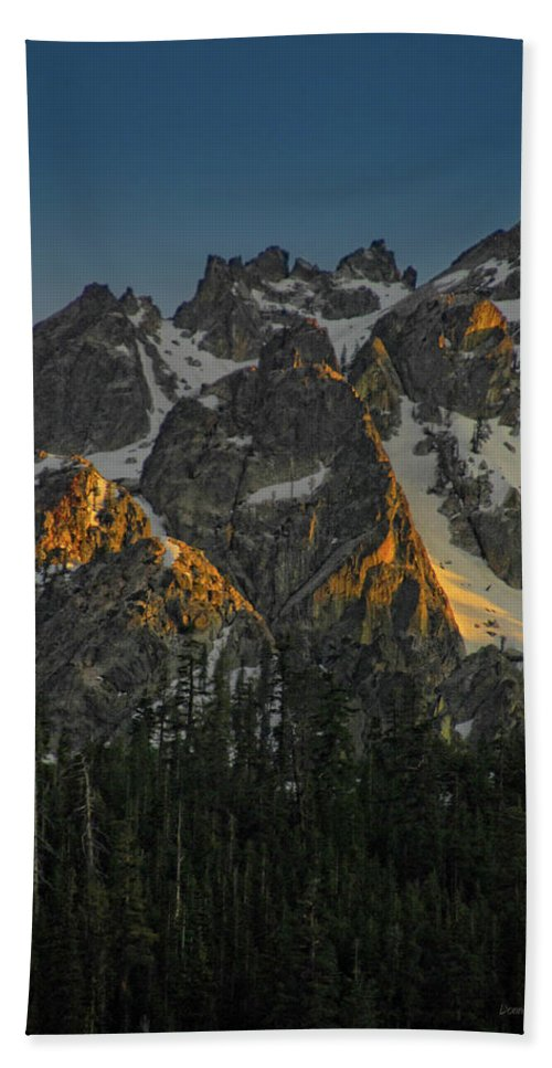 Mountan Hand Towel featuring the photograph Alpine Glow by Donna Blackhall