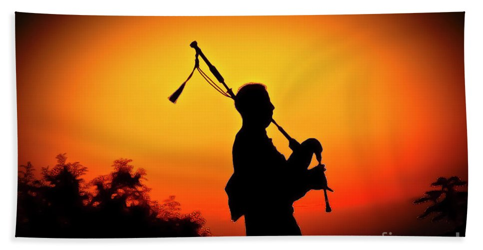 Sunset Hand Towel featuring the photograph Amazing Grace by Jim Cazel