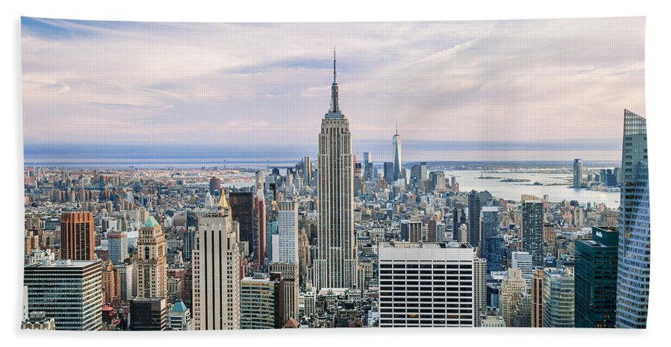 Empire State Building Bath Towel featuring the photograph Amazing Manhattan by Az Jackson