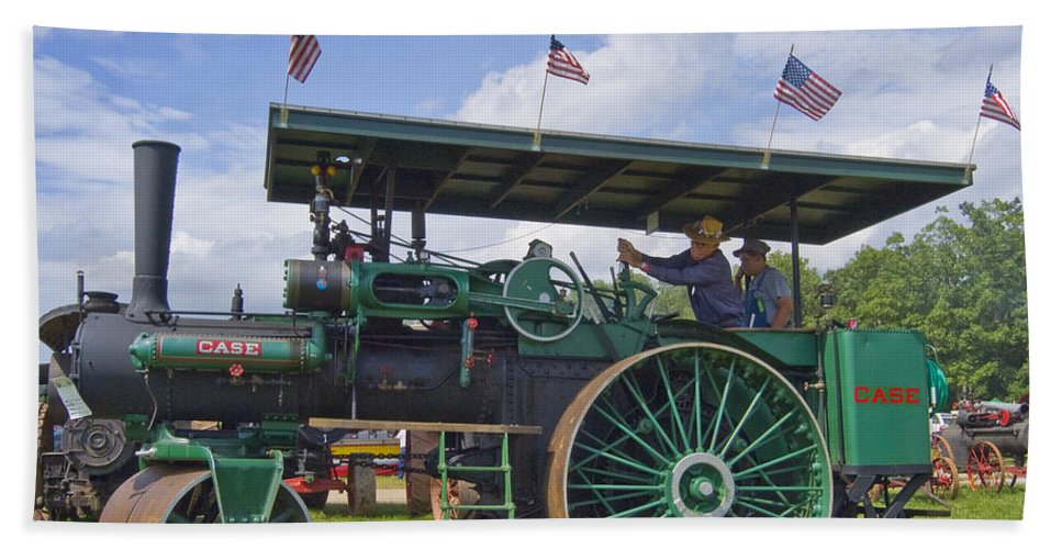 American Bath Sheet featuring the photograph American steam roller by Robert Ponzoni