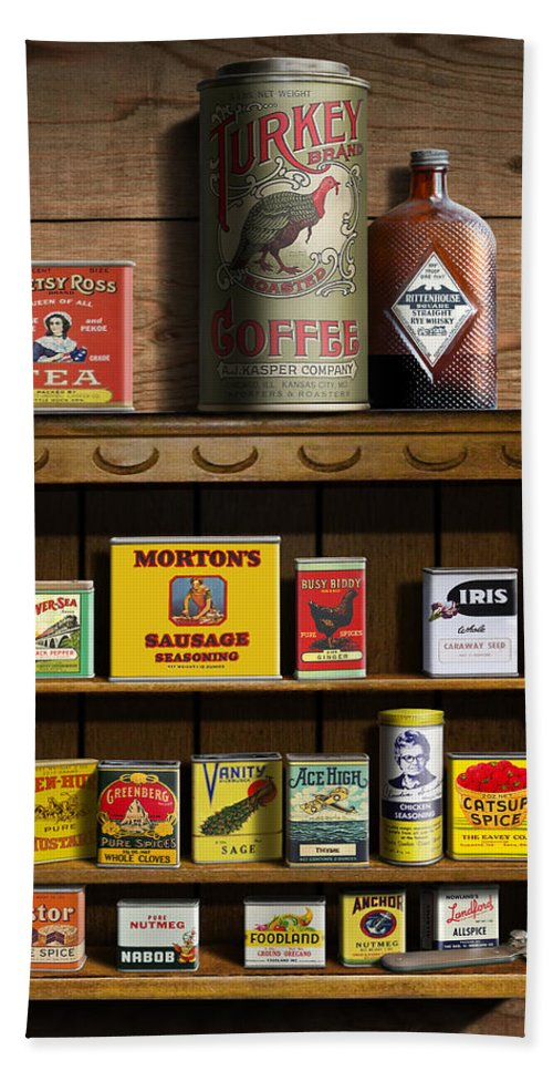 Americana Kitchen Art Decor - Vintage Spice Cans Tins 2 - Nostalgic Spice  Rack - Square Format Bath Towel