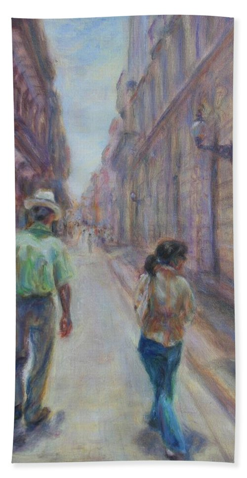 Quin Sweetman Hand Towel featuring the painting Amigos En Havana by Quin Sweetman