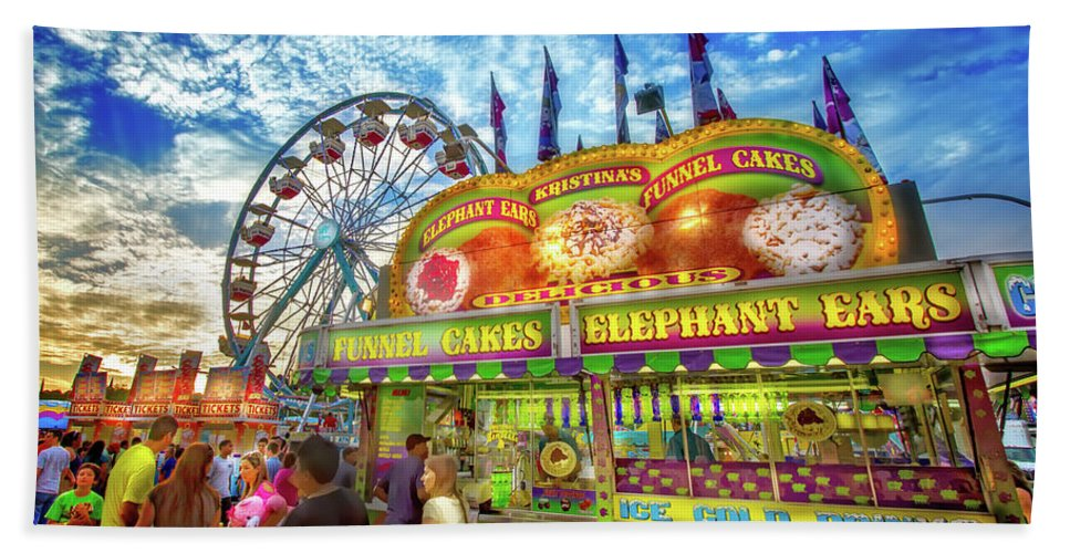 Carnival Hand Towel featuring the photograph An Old Fashioned Midway by Mark Andrew Thomas